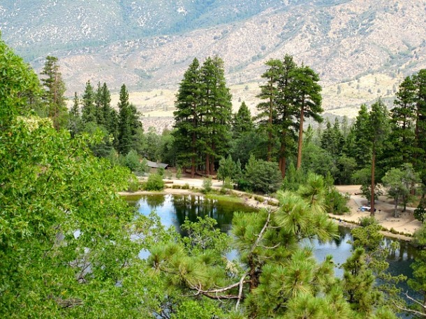 mountain-lake-416198_640
