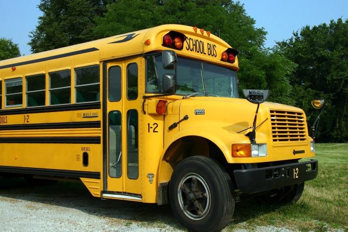 school-bus-2645085_1280
