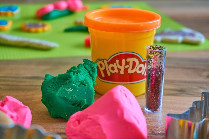 play-doh-3308885_1280